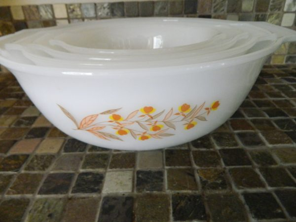 Vintage Glasbake Jewel Tea Autumn Leaf Mixing Bowl Set