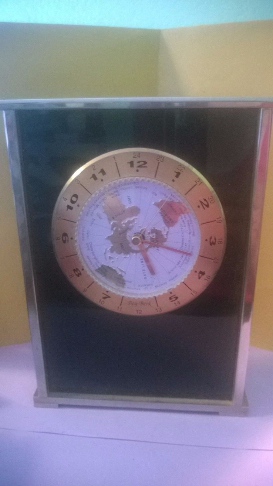 Bey berk desk clock black and silver tone with world map 7 14 tall collectibles gumiabroncs Images
