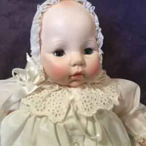 madame-alexander-vinyl-doll-victoria-vintage