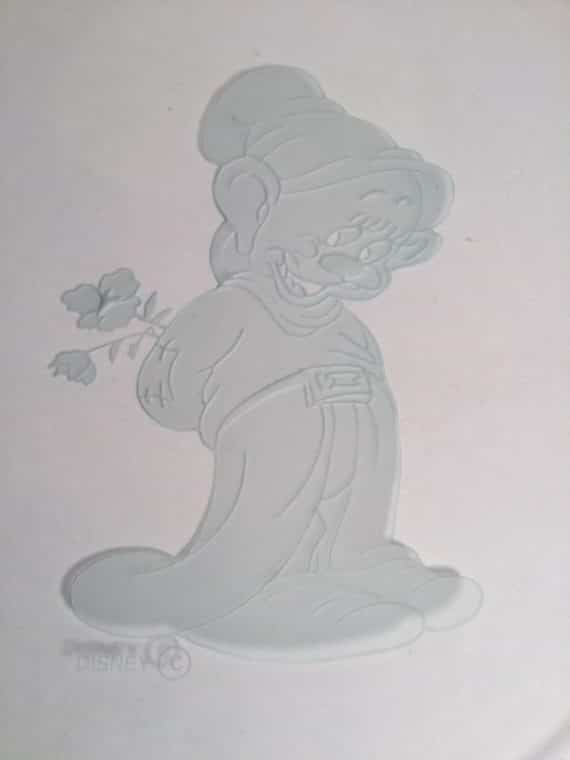 shy-dopey-glass-lens-sculpture-walt-disney-snow-white-laser-etched