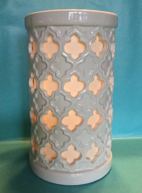 fleur-lattice-pillar-luminary-ceramic-candle-holder-white
