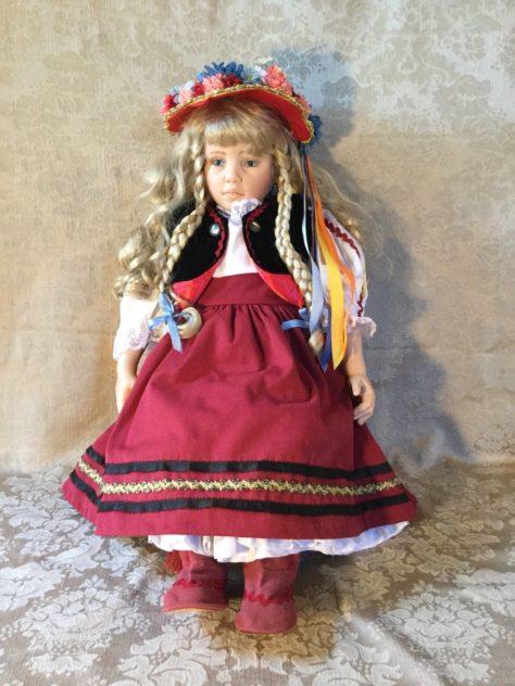 gadco-katalin-vinyl-doll-by-rotraut-schrott-a-hungarian-girl
