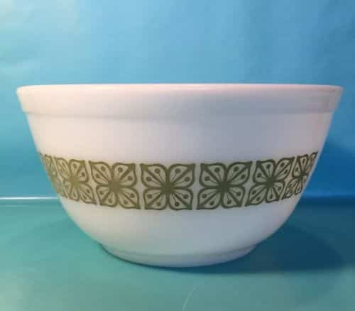 pyrex-quart-bowl-verde-square-flowers-floral