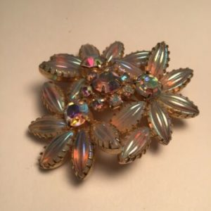 vintage-brooch-irridescent-daisy-flower-cluster-pin
