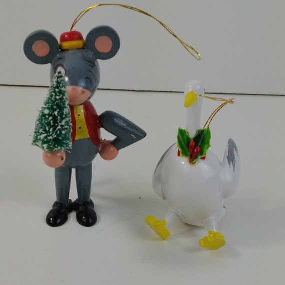 2-painted-wood-christmas-ornaments-winking-festive-mouse-sitting-duck-45