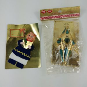 2-vintage-christmas-package-tie-ons-decoration-for-gift-box-nos