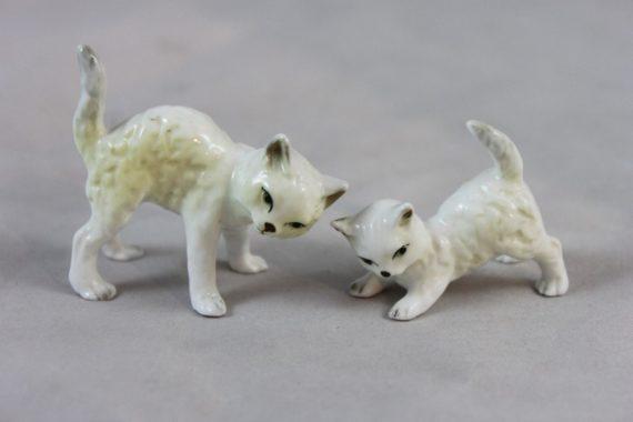 adorable-vintage-bone-china-playful-cat-kitten-figurine