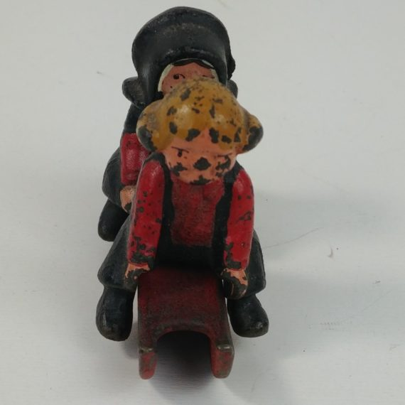 cast-iron-amish-boy-girl-on-red-sled-vintage-3-x-2-figures-dalecraft-01