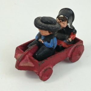 cast-iron-amish-boy-girl-on-red-wagon-2-1-4l-x-1-3-4t-dalecraft-03