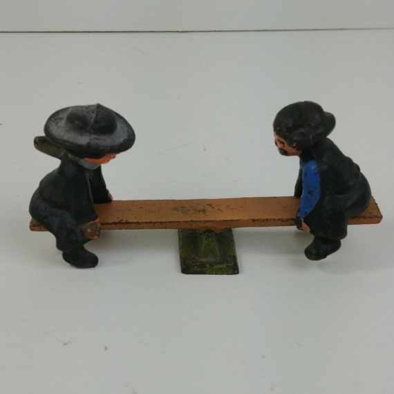 cast-iron-amish-boys-on-seesaw-teeter-totter-4-1-2l-x-2t-dalecraft-02