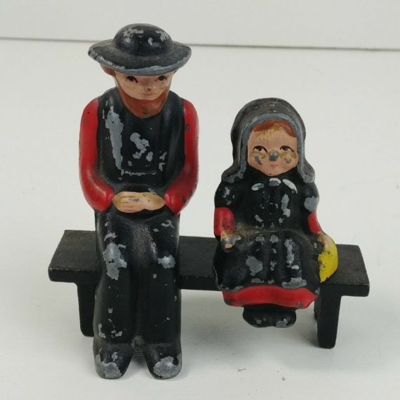 cast-iron-amish-father-girl-on-black-bench-3w-x-3-1-4t-dalecraft-04