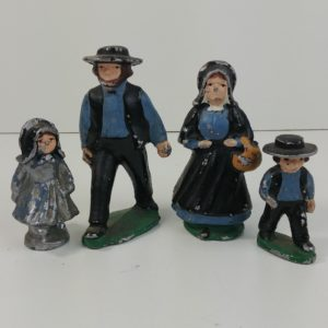 cast-metal-amish-father-mother-daughter-son-blue-2-3-44-1-4-in-dalecraft-08