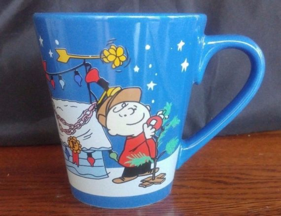 charlie-brown-christmas-mug-peanuts-holiday-snowflake-snoopys-dog-house