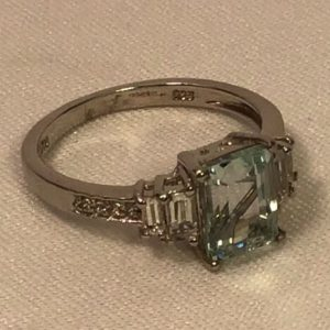 cocktail-ring-sts-pale-blue-clear-stones-size