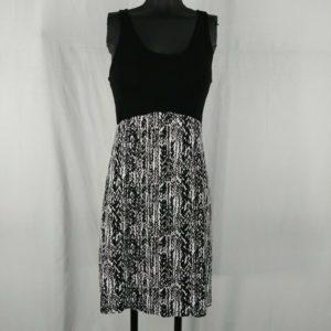 dakini-black-white-scoop-neck-casual-dress-juniors-size-s