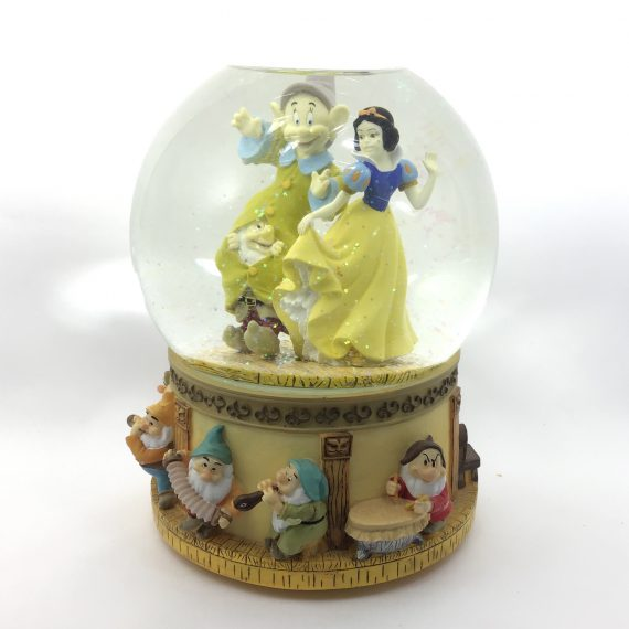 disney-snow-globe-whistle-while-you-work-snow-white-dopey-and-the-seven-dwarfs-musical
