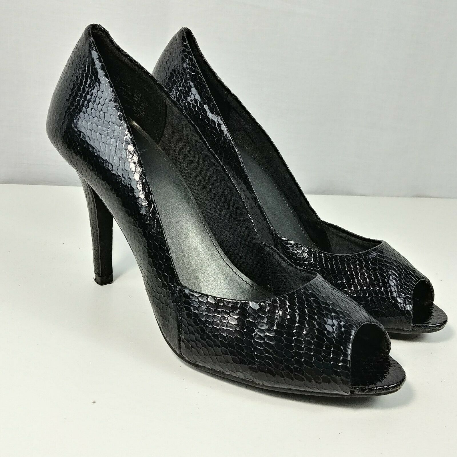 dd4810f7c0 Fioni Black Faux Snake Peep Toe Hi Heels Pumps Shoes US Size 7 Heel 3.5″
