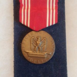 military-pin-medal-ww2-vietnam-for-good-conduct-efficiency-honor-fidelity-1