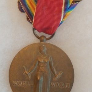 old-military-pin-medal-ww2-to-vietnam-1941-1945-freedom-united-states
