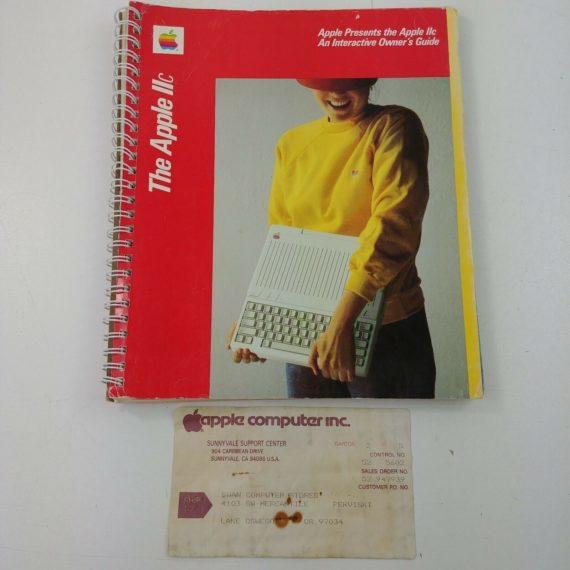 owner-guide-the-apple-computer-inc-original-paperwork-1983-2c-iic-lot-18