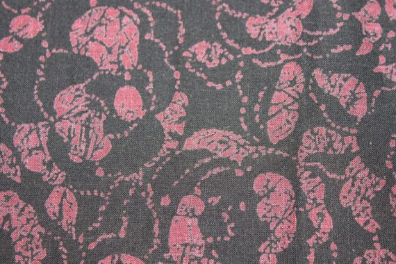 vintage-black-purple-floral-print-fabric-44-x-37-1-yard