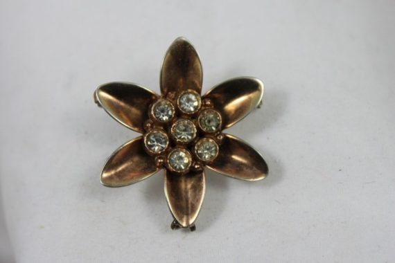 vintage-costume-pin-brooch-flower-w-rhinestones-in-middle