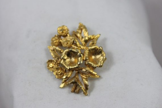 vintage-costume-pin-brooch-gold-flowers