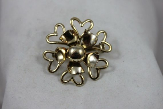 vintage-costume-pin-brooch-gold-hearts-w-flower-in-center