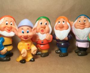 vintage-squeaky-toy-snow-white-seven-dwarfs-semi-posable-walt-disney-productions