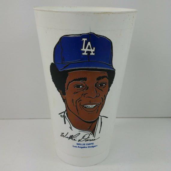 willie-davis-los-angeles-dodgers-baseball-7-11-1972-slurpee-cup-seven-eleven