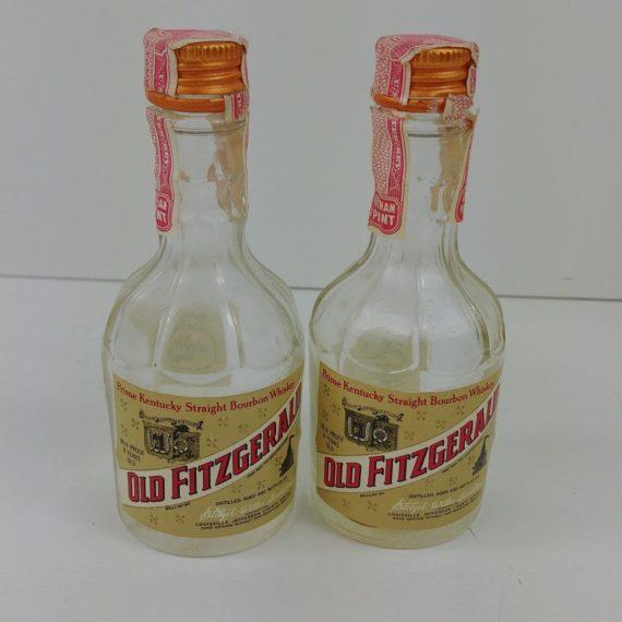 2-vtg-united-airlines-mini-glass-bottles-old-fitzgerald-1-10-pt-empty-01