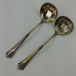 2-williams-triple-silver-plated-scallop-spoon-6-vintage-silverware-lot