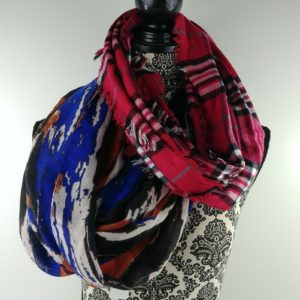 2-womens-fashion-infinity-scarves-red-plaid-blue-brown-art-deco