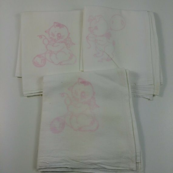 3-vintage-tablecloth-36-5-x-34-5-needlepoint-embroidery-pattern-kittens-pig