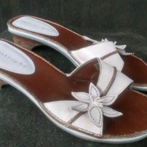apostrophe-black-lavender-flower-sandals-size-8-8-5