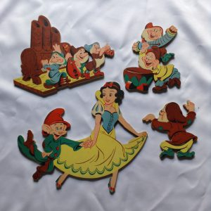 dolly-toy-co-pin-ups-walt-disney-snow-white-and-the-seven-dwarfs