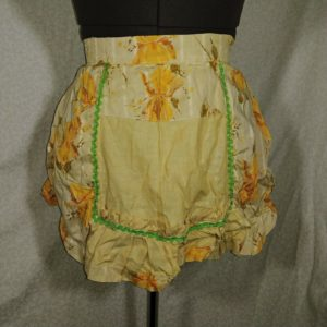 lot-of-2-vintage-aprons-green-plaid-floral-embroidered-beige-yellow-floral