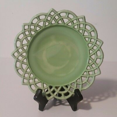 vintage-and-beautiful-green-arch-border-plate-7-3-4-b22