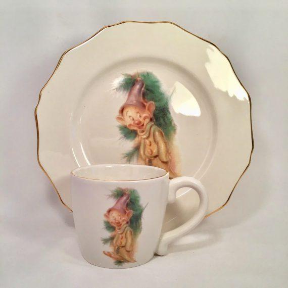 walt-disney-holiday-dopey-childs-china-mug-and-plate-set