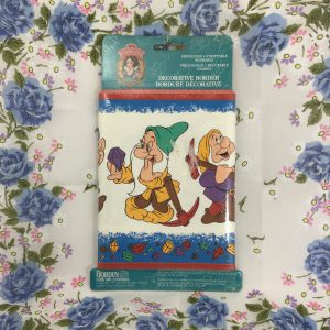 disney-princess-snow-white-and-the-seven-dwarfs-borden-prepasted-wallpaper-border-foot