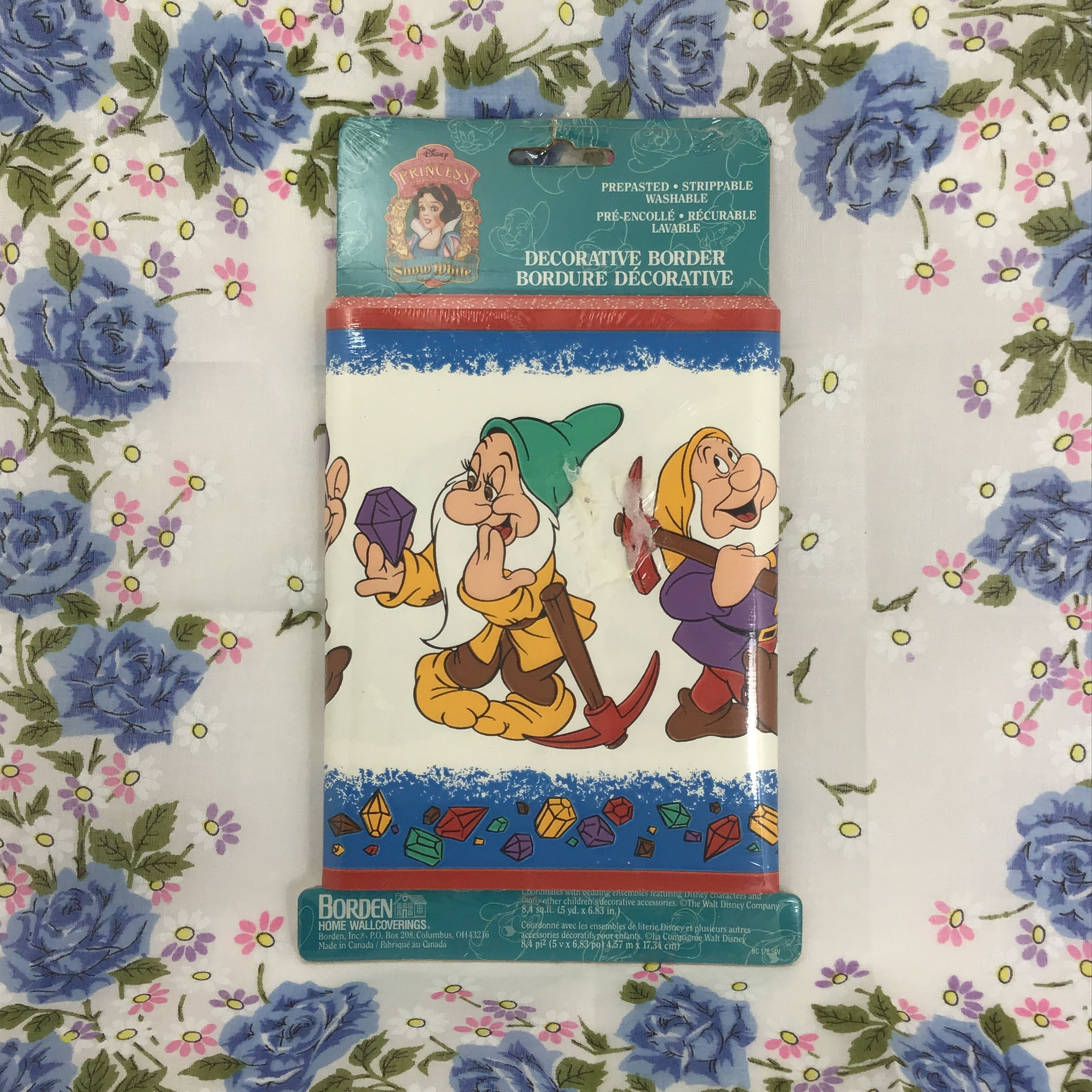 Disney Princess Snow White And The Seven Dwarfs Borden Prepasted Wallpaper Border 15 Foot