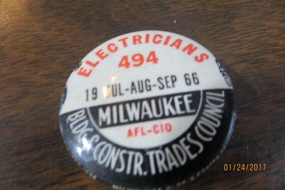 electricians-afl-c-milwaukee-bldgconstr-celluloid-original-pin-button