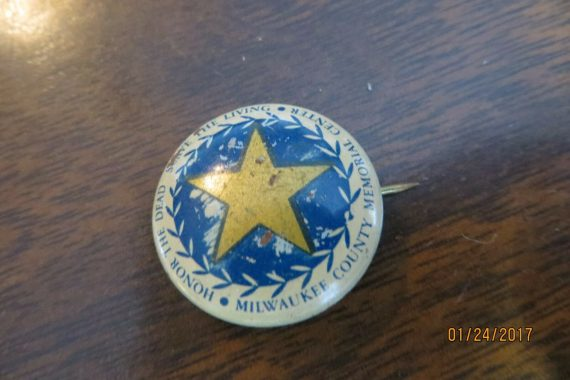 honor-the-deadsave-the-livingmilwaukee-memorial-center-pin-button-obsolete