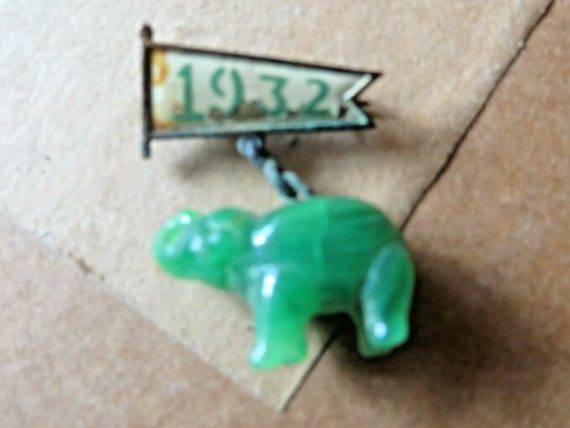 political-republican-pin-green-jade-elephant-extremely-scarce-rare-pin