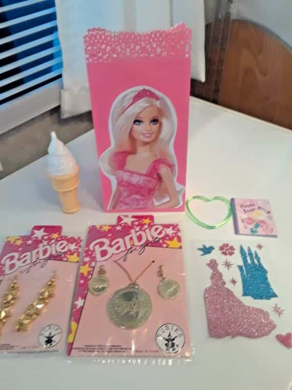 barbie-pre-filled-treat-goody-loot-bags-free-centerpiece-and-table-cover