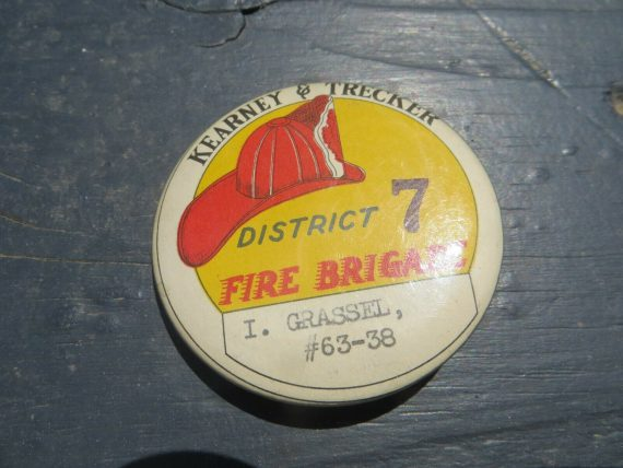 kearney-trecker-fire-brigade-district-original-pin-button-badge
