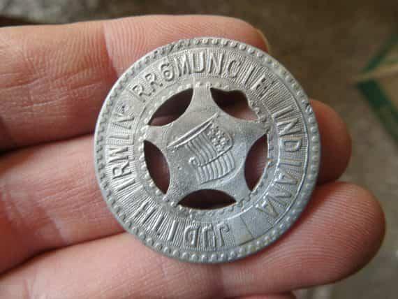 rr-muncie-indiana-judith-irwingood-luck-horseshoe-political-token-rare