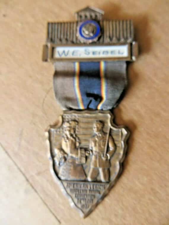 th-annual-american-legion-convention-named-brass-award-member-pin-badge