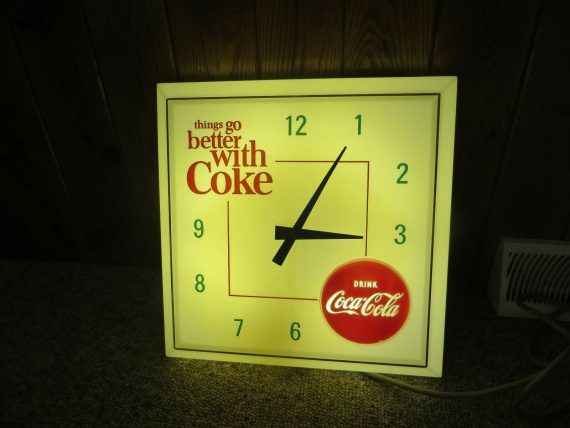 vintage-lighted-working-things-go-better-with-cokedrink-coca-cola-clock