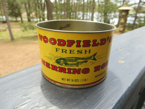 woodfields-fresh-herring-roe-advertising-tin-container-with-graphic-fish